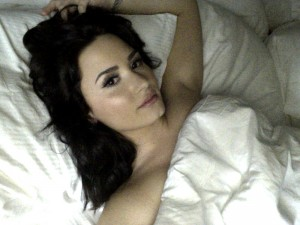 Demi-Lovato-leaked-cell-nudes-03