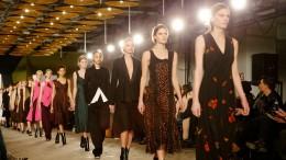 New York Fashion Week: BOSS Womenswear Fall/Winter 2016 Fashion Show – Runway Highlights